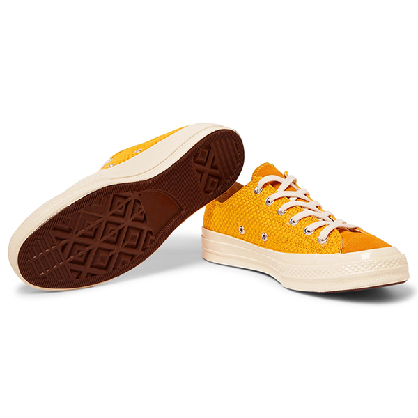 Canvas Low Top Sneakers (3)