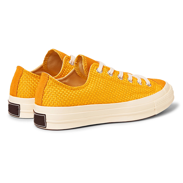 Canvas Low Top Sneakers (5)